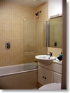 Maidenhead flat for rent bathroom